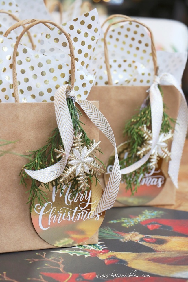creative-christmas-fresh-greenery-gift-wrap