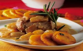 cerdo al curry y frutas