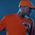"""Single """"Grass Ain't Greener"""" do Chris Brown conquista certificado de platina"""