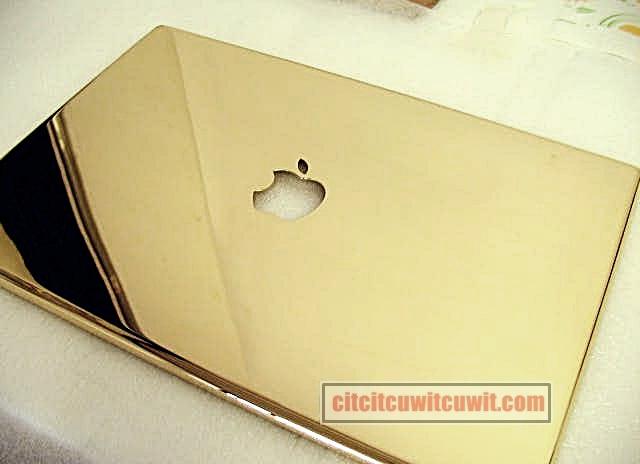 Laptop dengan harga termahal di dunia macbook pro 24 karat gold
