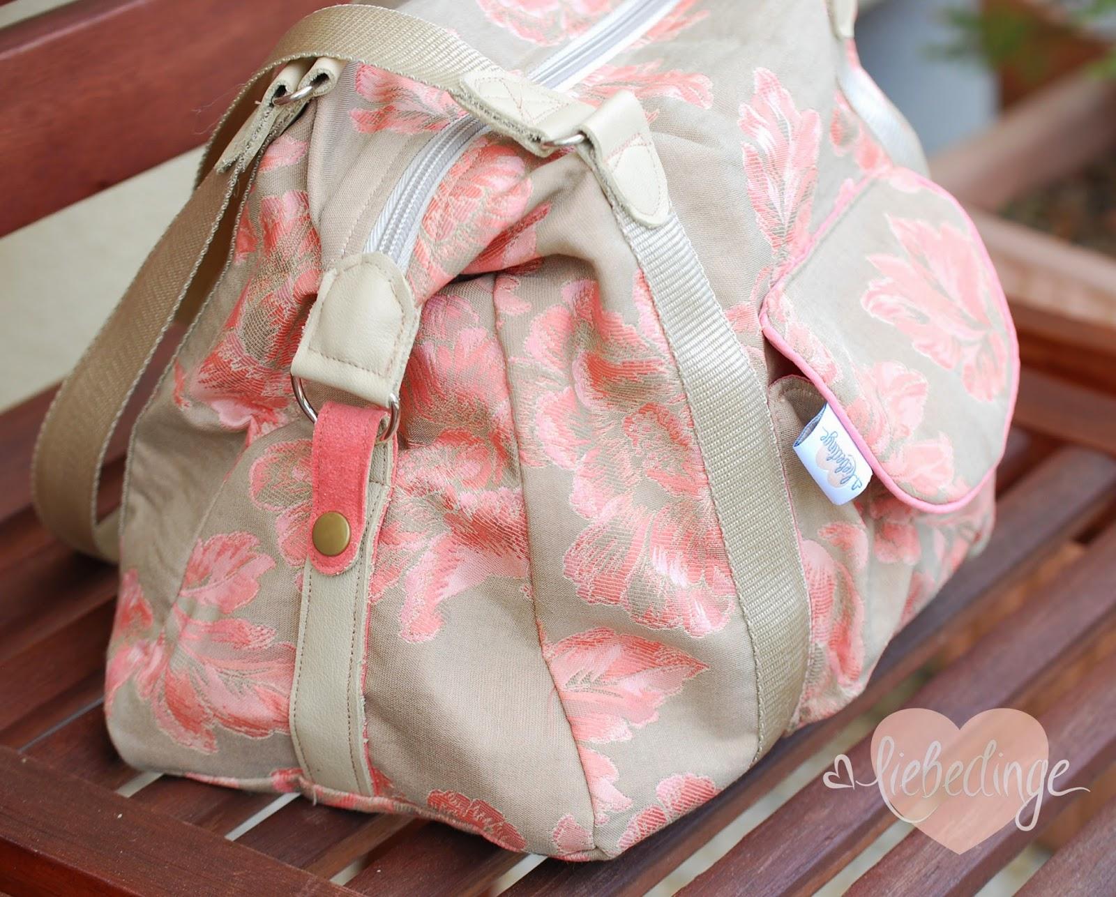 frauen und handtaschen ...