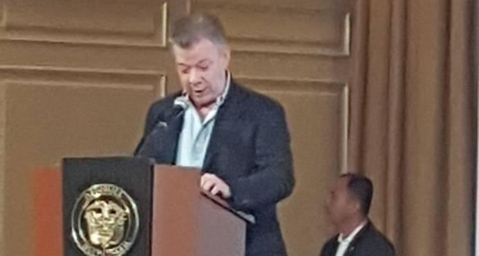 Presidente Juan Manuel Santos condena el asesinato de tres periodistas ecuatorianos