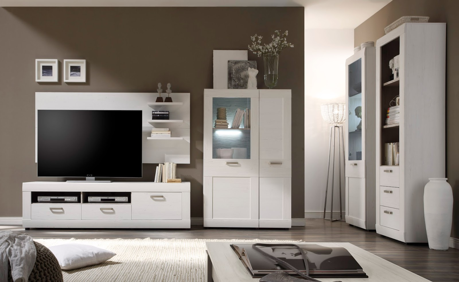 In Einem Minimalistischen Wohnzimmer Gestalten Sie Ihre Wohn Luxus Mit Holzschnitzereien Jepara Ethnischen Und Eleganz Des Wohnzimmers Zu Erhhen