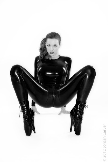Jordan-Carver-Sandine-Hot-Photoshoot-in-Catsuit-35638