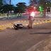 Mulher sofre queda de moto no centro da cidade de Cajazeiras na madrugada deste domingo