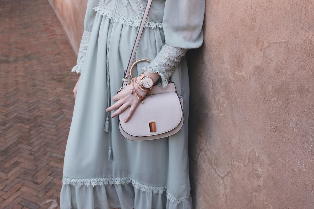 Outfit aus dem Le Jardin Secret in Marrakesch und ein paar Tipps, die es bei Kleidung in Marrakesch als Frau zu beachten gilt.