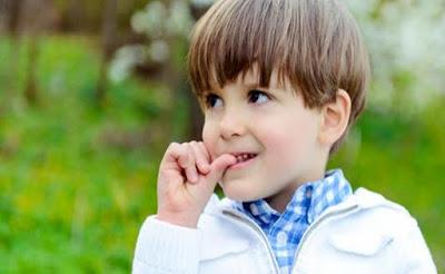 Kebiasaan Menggigit Kuku Dapat Mengurangi Alergi