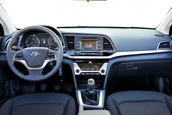 Hyundai Elantra sexta generación (2018)