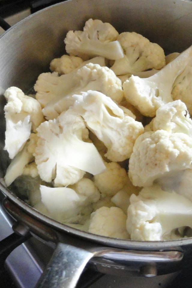 Skinny-Mashed-Cauliflower-1/4-The-Calories-Of-Potatoes-Cook-Cauliflower-Water.jpg