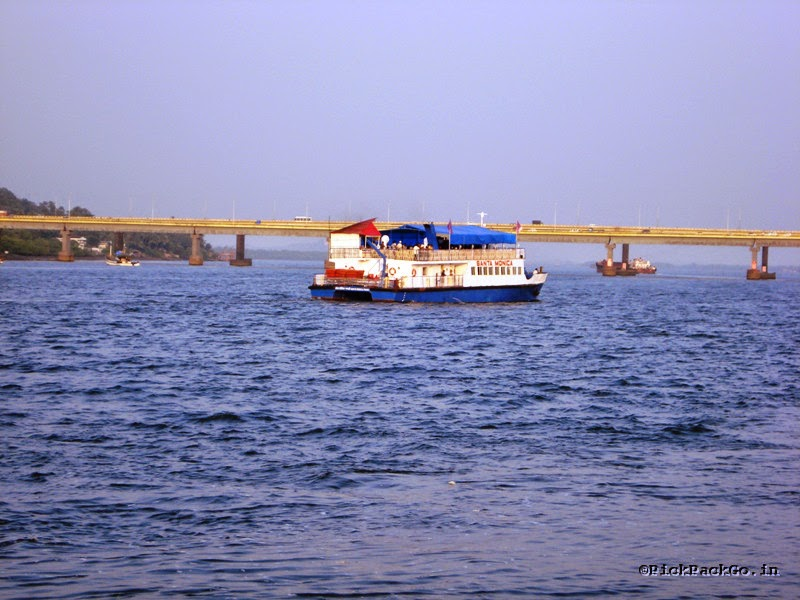 Places to see in Goa - Mandovi River - Pick,Pack,Go