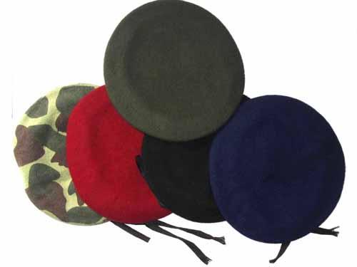 Qual o significado da cor das boinas utilizadas pelos Militares do  Exército. Boina azul ferrete a9ce3397508