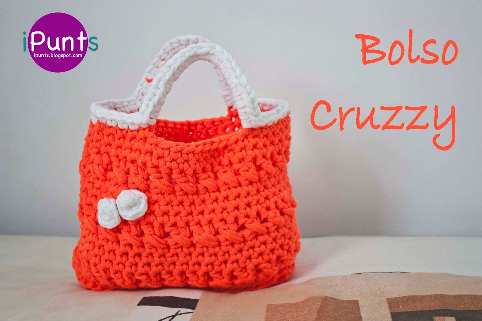 Ipunts bolso cruzzy a trapillo for Bolsos de crochet de trapillo