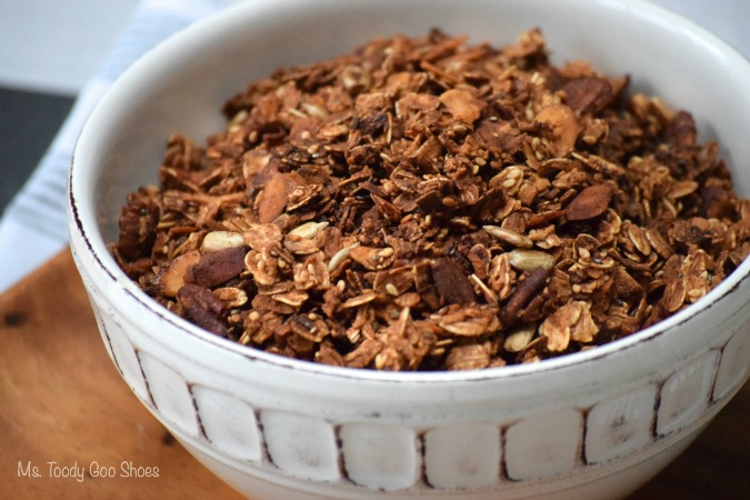 Homemade Granola: Delicious, healthy, and economical. Mixes up in a few minutes | Ms. Toody Goo Shoes #granola