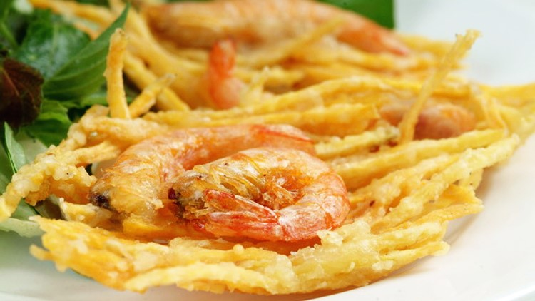 Le beignet de crevettes de Ho Tay