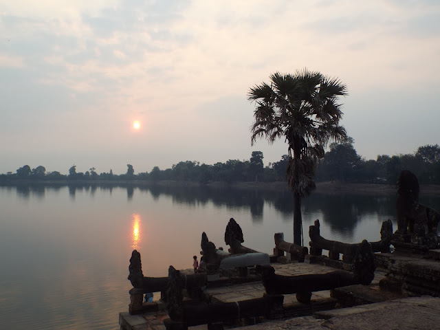 Sunrise at Srah Srang