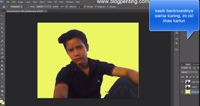 ubah background menjadi warna kuning