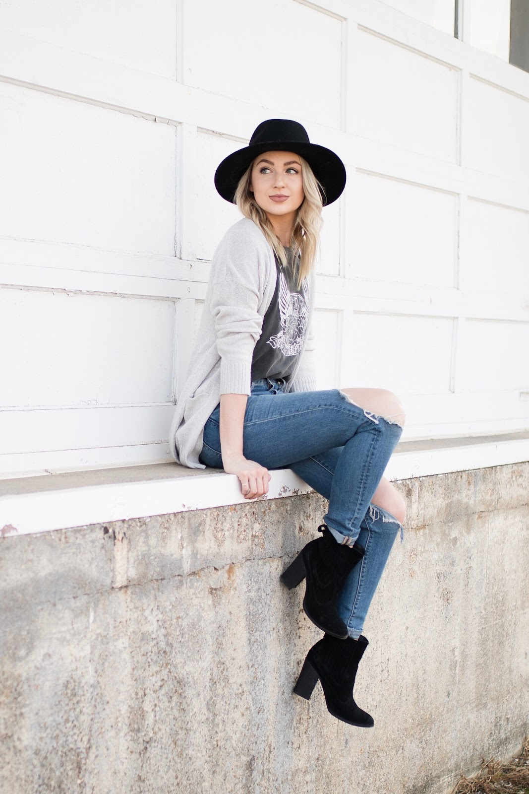 cardigan + graphic tee