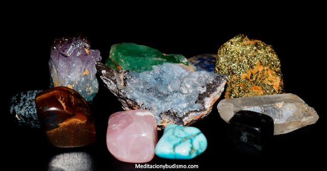 El cristal perfecto que debes utilizar según tu signo zodiacal