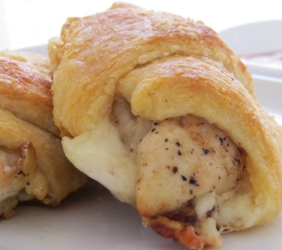 CHICKEN ROLL UPS CRESCENT ROLLS #Dinner #Chicken