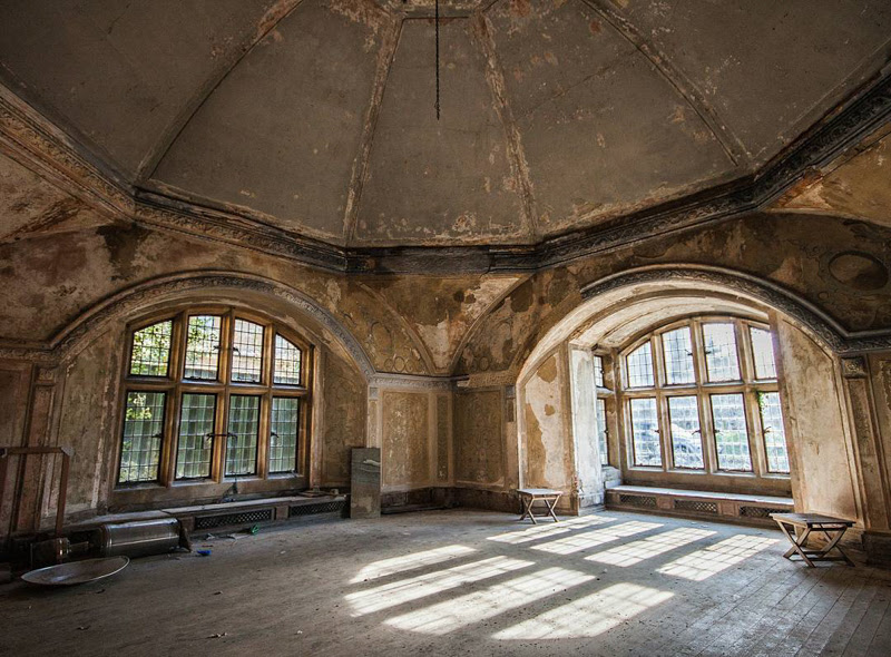 Abandoned Places Photography by Scott Reeves from United Kingdom.
