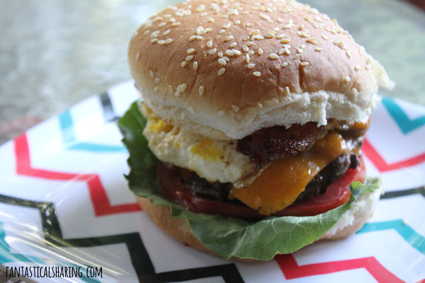 Barnyard Burger // There's a little bit of everything from the barn on this burger! #recipe #burger #egg #beef #bacon