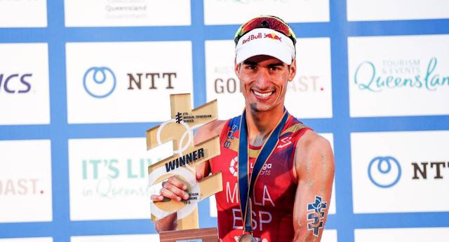 Mario Mola logra su tercer Mundial de Triatlón