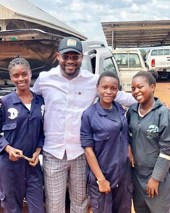 Meet 3 Female Mechanics Who Shuttle School and Work