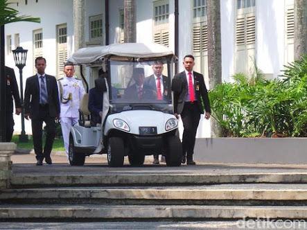 Jokowi Klaim Indonesia Negara Pertama yang Dikunjungi Mahathir, Faktanya Seperti Ini