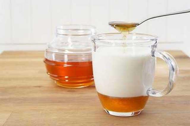 dưỡng da với mật ong và sữa chua