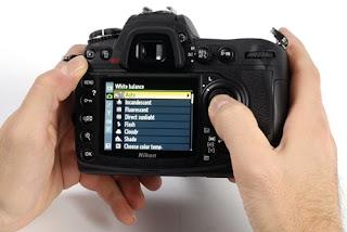 Begini Cara Menggunakan Kamera DSLR Yang Bena