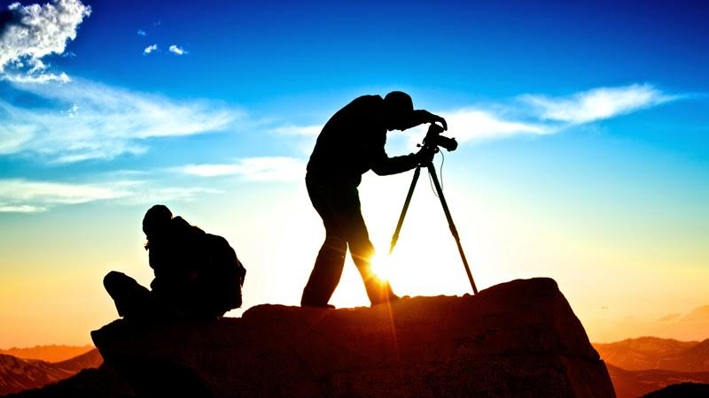 مصور يخطط لسفره