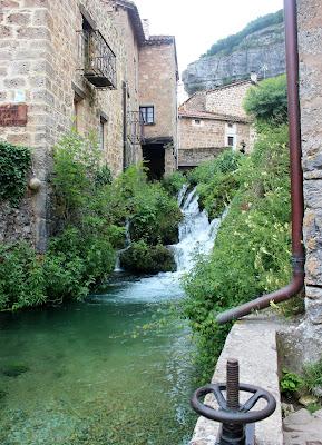 Arroyo de Orbaneja del Castillo. Molino de agua.