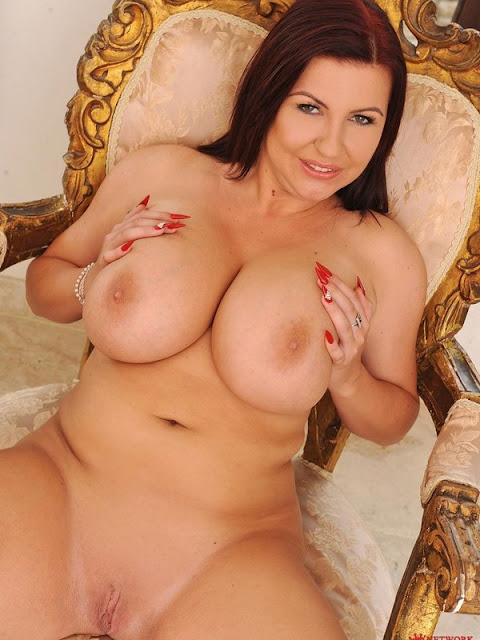 Naked Girls With Big Titis