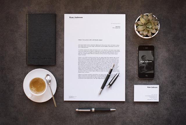 Maquetas de papelería en formato PSD