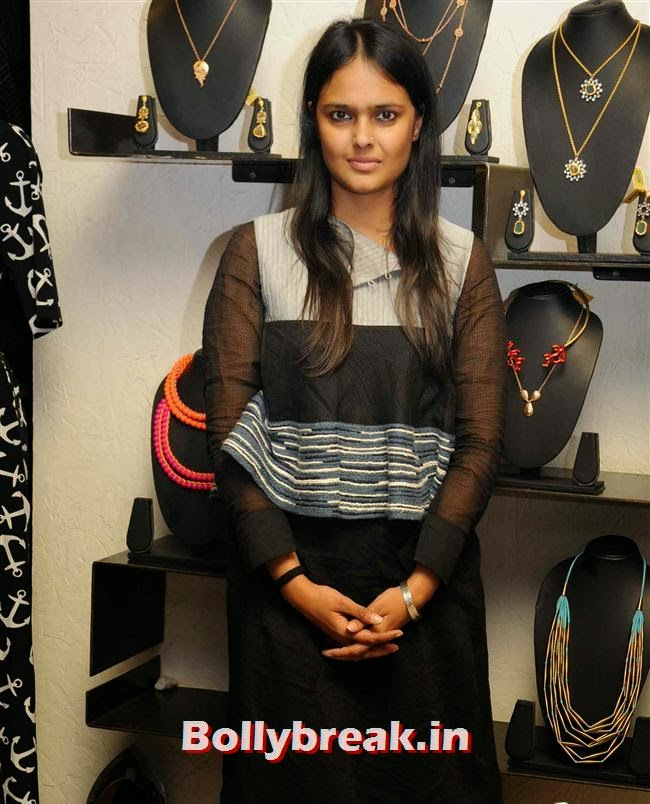 Vipasha Agarwal, Vishakha Singh at Aparna and Azmina Host Summer Preview