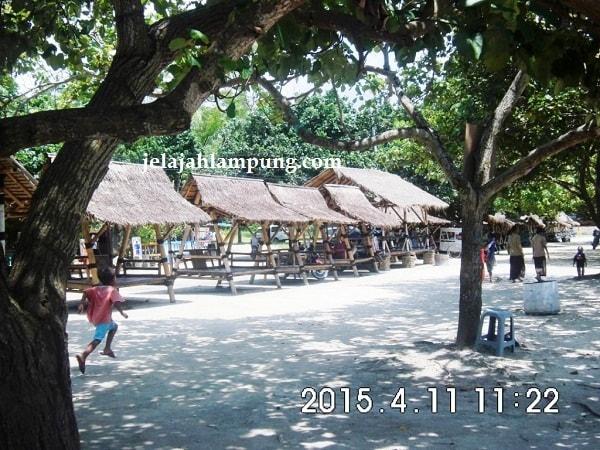 Pondokan di Pantai Mutun