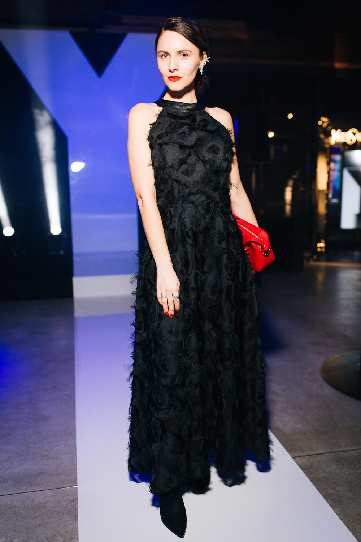 длинное черное платье сочетать