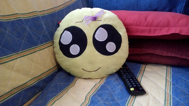 Mini-Fu viendo una película