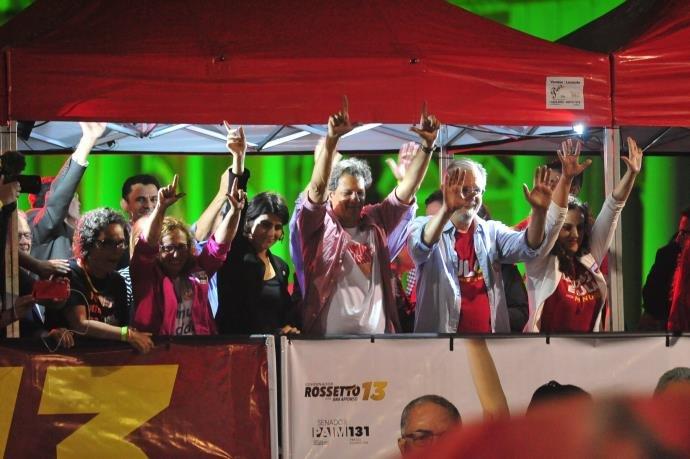 c3f8ea7178108 Candidato à Presidência da República participou de ato em Porto Alegre no  início da noite de quinta-feira (27 09). Nós vamos resgatar o sonho do  Brasil que ...