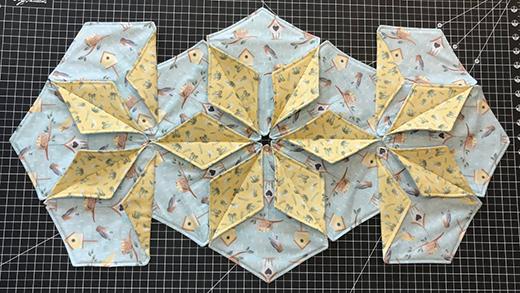 Dimensional Hexagon Table Runner Free Tutorial