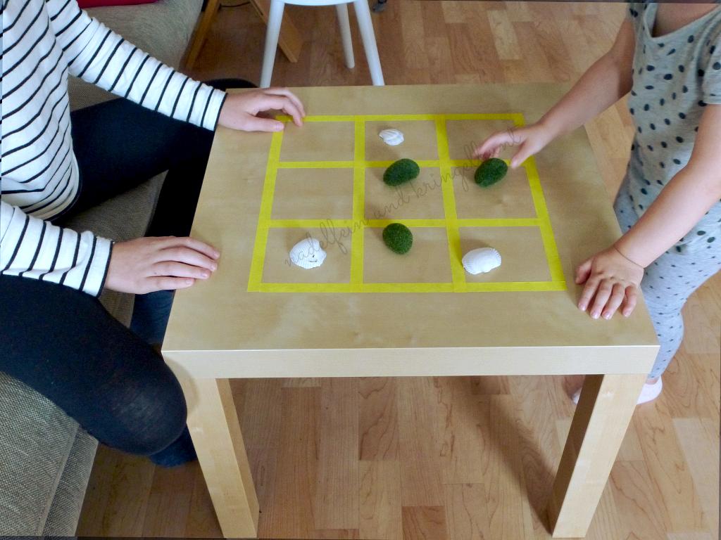 Spieltisch nadelfein und kringelbunt