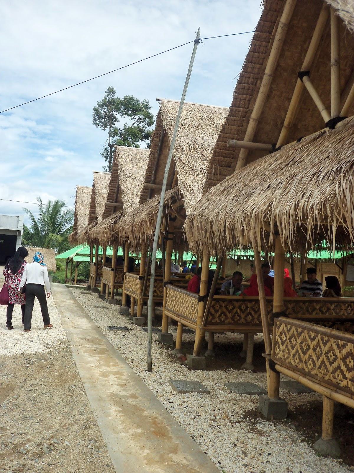 rumah makan pondok bambu, muaro bungo, jambi