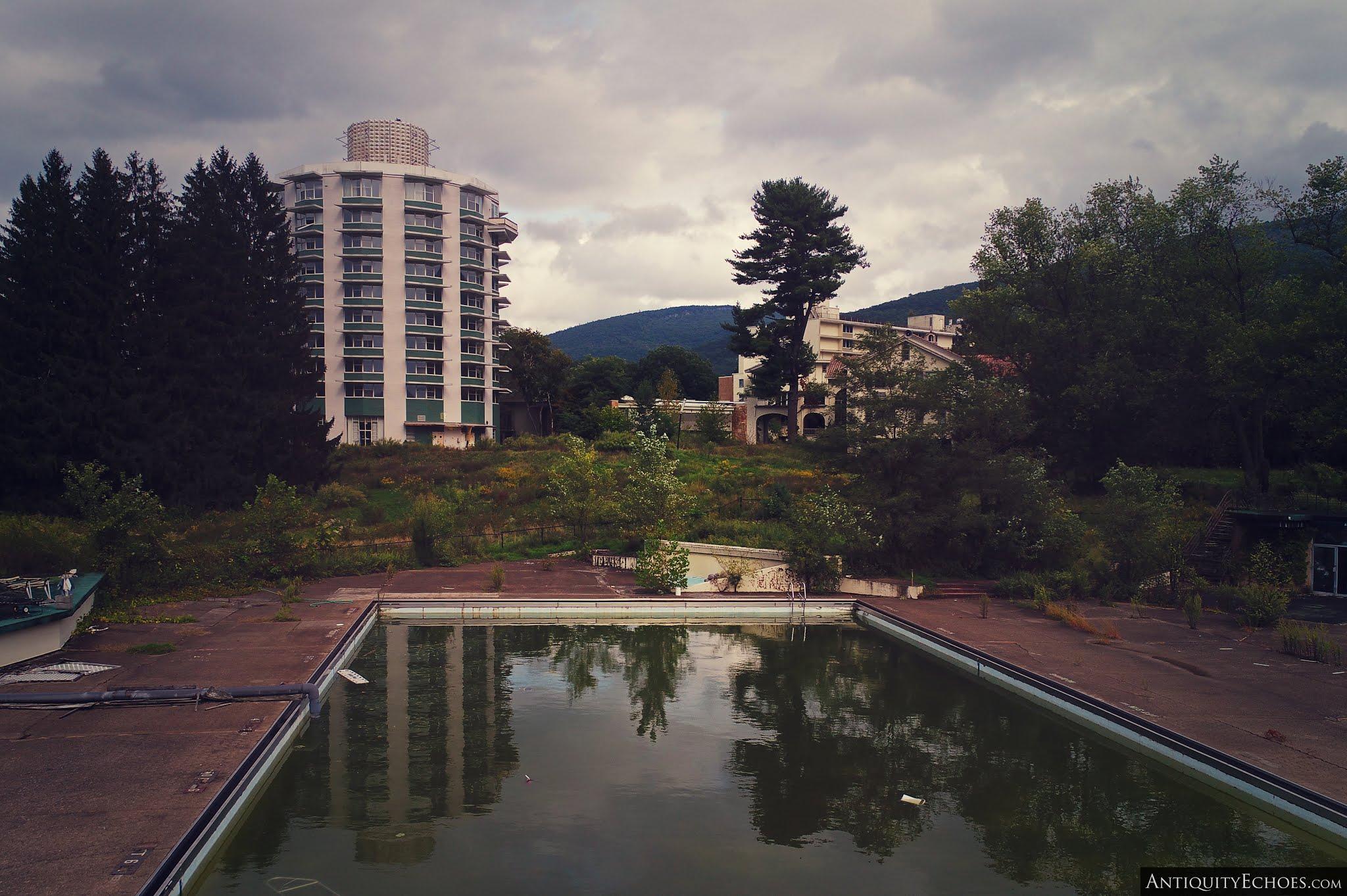Nevele Grande - Stagnant Outdoor Pool