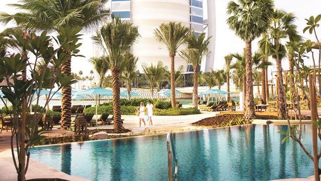La Ville Hotel & Suites - City