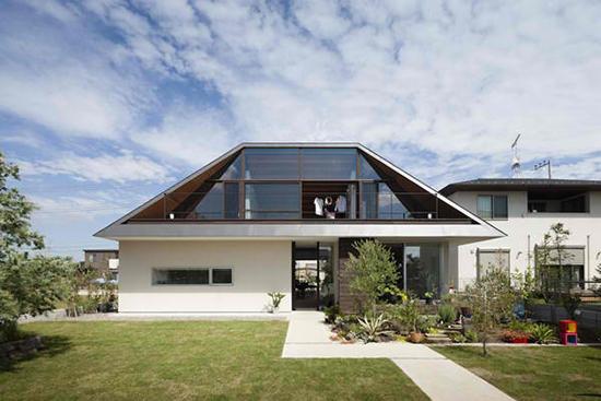 7 inspirasi bentuk atap perisai
