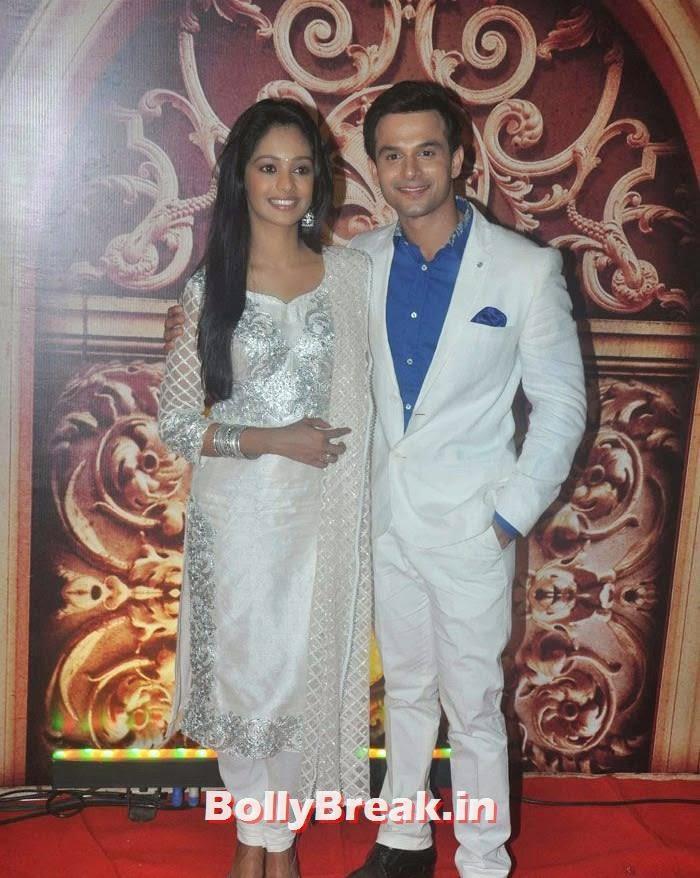 Mugdha Chaphekar, Ravish Desai, Zee Rishtey Awards 2014 Photo Gallery