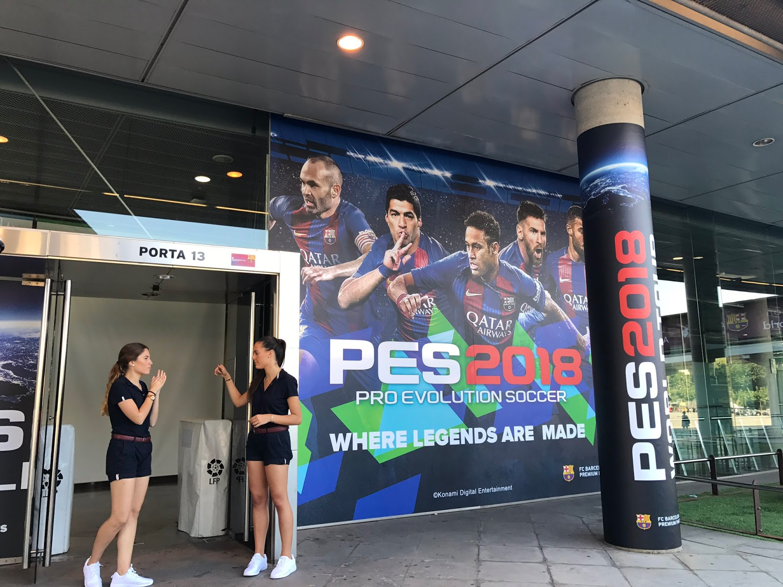 Konami Pro Evolution Soccer PES2018 World Tour #WhereLegendsAreMade [image by @officialpes]
