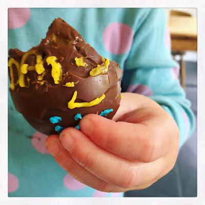 #Getmessy Making chocolate Eggs* chocolate craft
