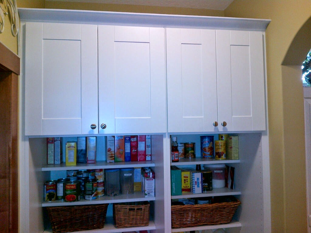 Walk through pantry ikea hackers for How to build a walk in pantry