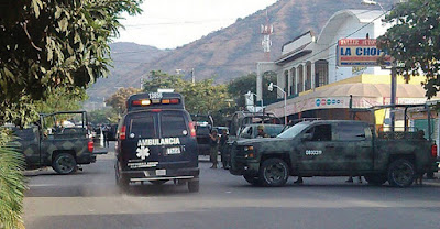 Grupo armado ataca sede de la PGR en Apatzingán